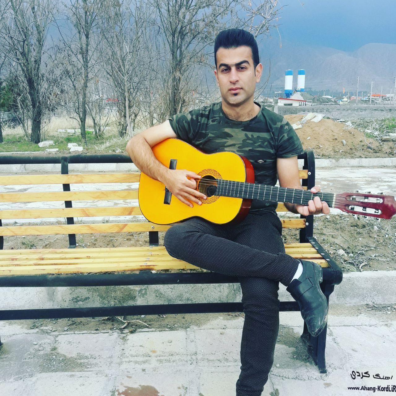 photo 2019 06 10 14 35 45 - دانلود آلبوم جدید رحیم چمبتانی 2019 شاد و گریان